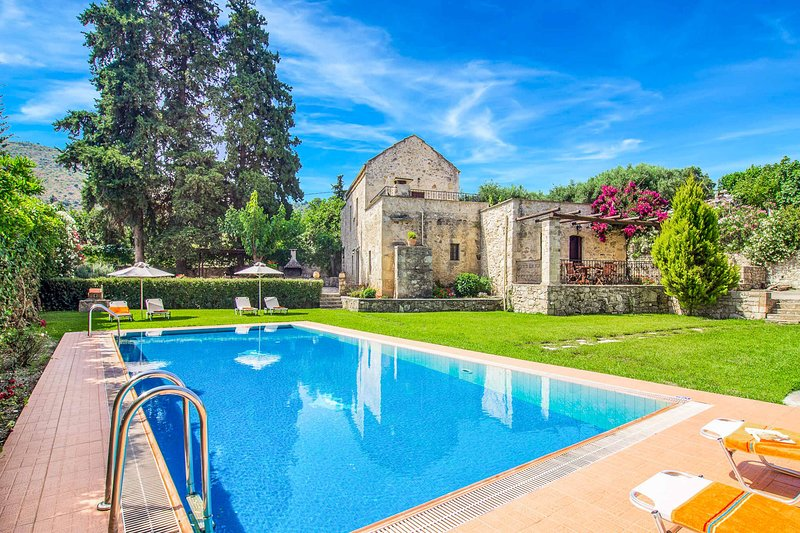 Villa Kontis, vacation rental in Maza