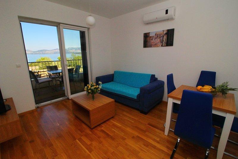 Apartments Kula - One-Bedroom Apartment with Terrace and Sea View-B1, casa vacanza a Janjina