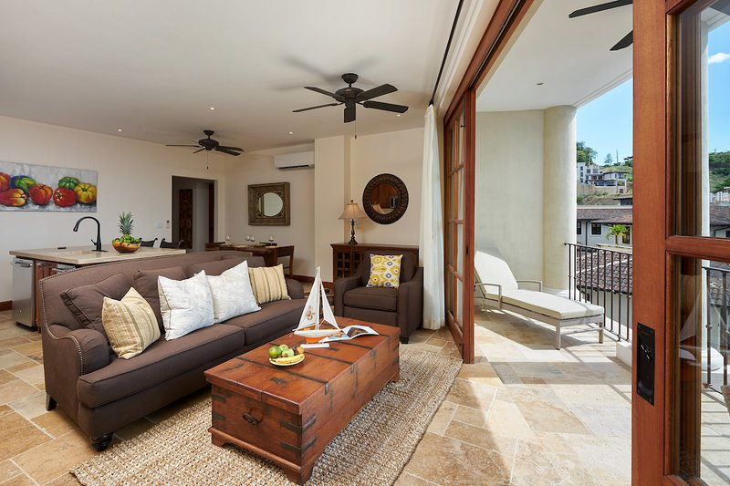 Oceanview 2br Flat in the Heart of Town, vacation rental in Las Catalinas