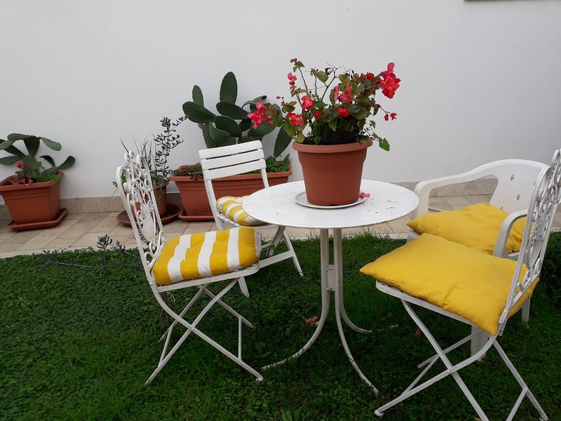 Nice apartment with garden & Wifi, holiday rental in Anguillara Sabazia