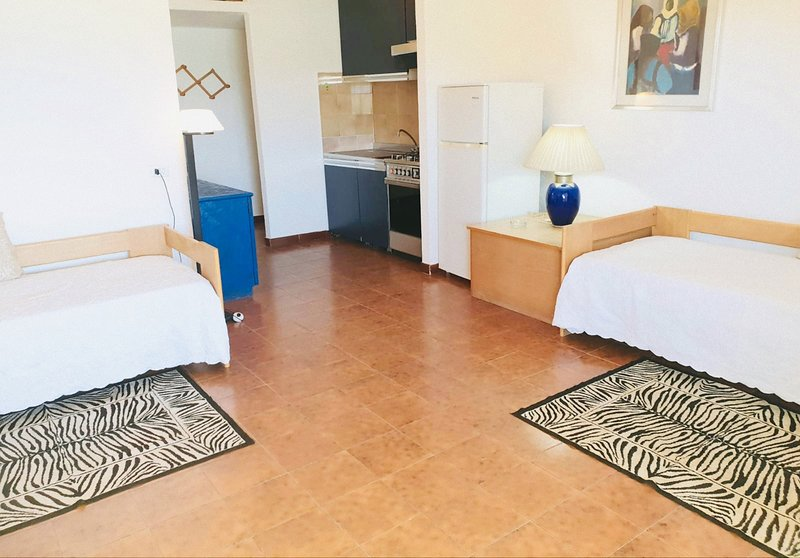 Villaggio MARINELEDDA Trilocale 6 pax -vista mare, holiday rental in Olbia