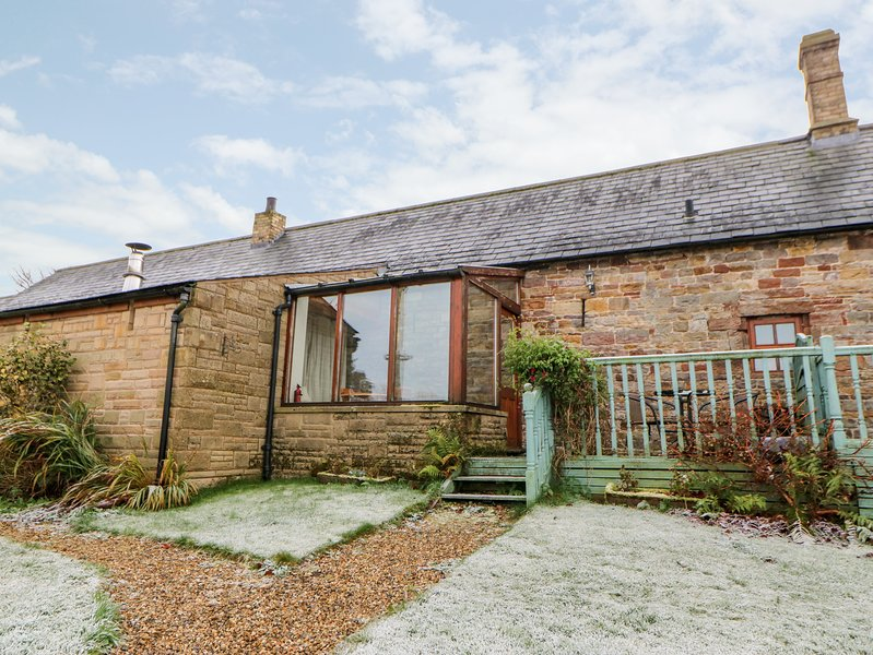 THE STABLE, pet friendly, character holiday cottage, with hot tub in Milton, aluguéis de temporada em Brampton