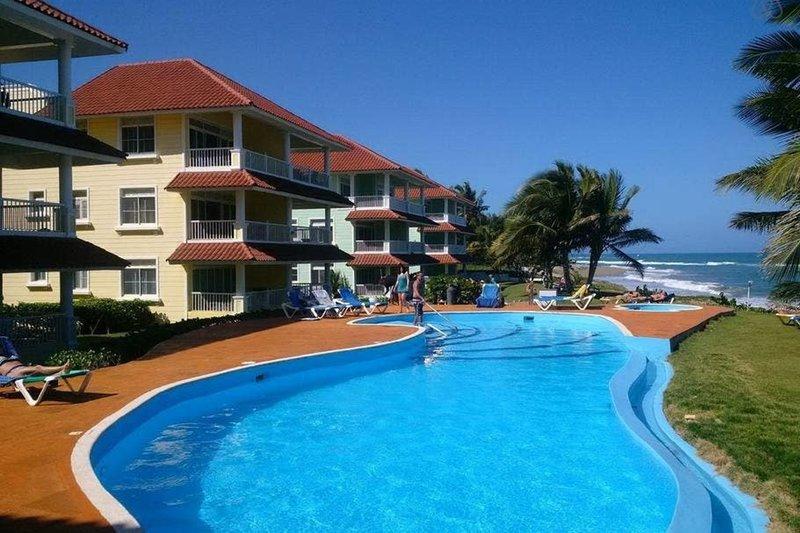 Victorian Luxury Condominium Amazing Beachfront, vacation rental in Espaillat Province