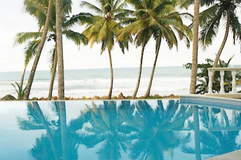 Cabarete Oceanfront Villa Retreat sleeps 11, location de vacances à Sosua