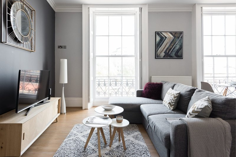 The Hippodrome House - Sleek & Stylish 1BDR Apartment in the Old City, holiday rental in Filton