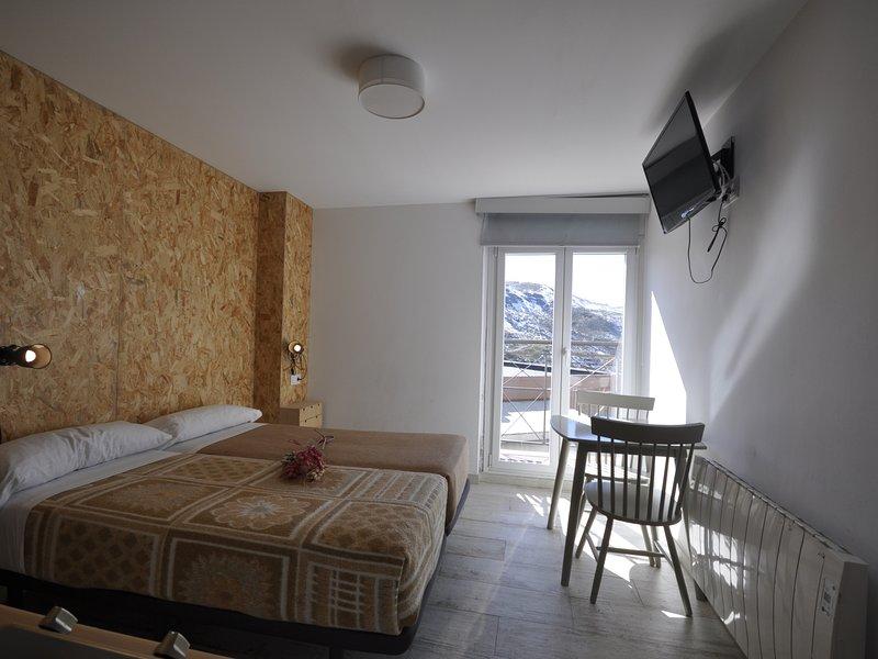 Gorbea Suites Studio Apartment, alquiler de vacaciones en Pradollano