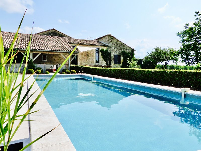 THE OLD PRIORY, Boutique style country house, alquiler vacacional en Saint-Ferme