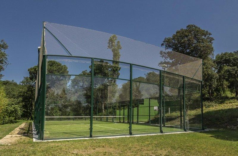 MAS ROCA Casa con instalaciones deportivas privadas, holiday rental in Brunyola