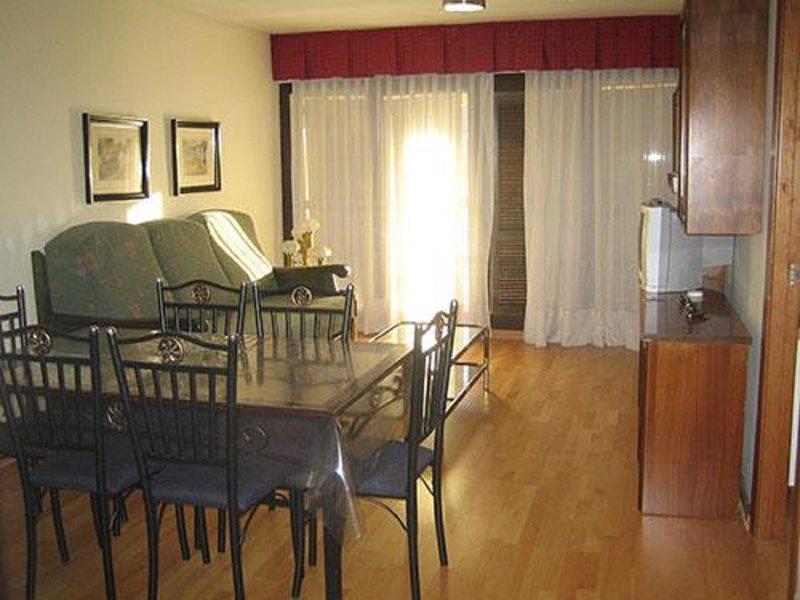 Edificio Alfa Apartamento A 3º A ref 39, alquiler de vacaciones en Pradollano