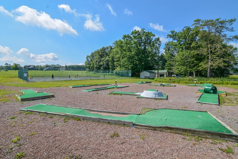 Community Mini-Golf Course
