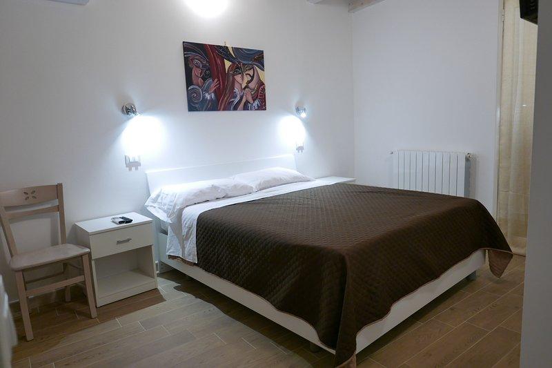 Opera Boutique Rooms un Ballo in Maschera, holiday rental in Monreale