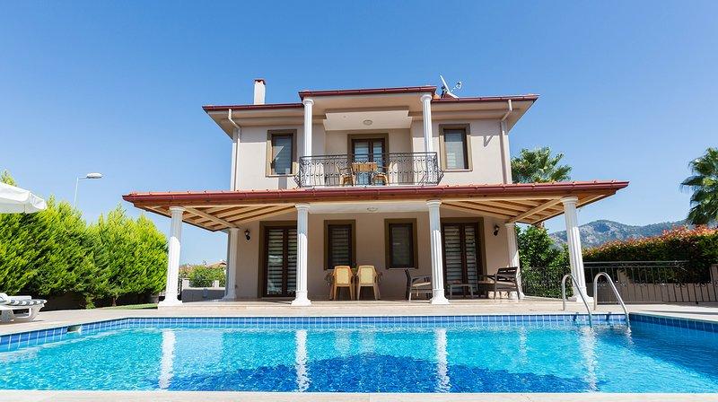 Villa Melis, alquiler vacacional en Okcular