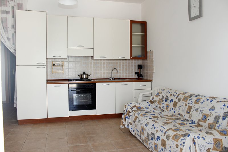 Amazing apartment near the beach, holiday rental in Granelli