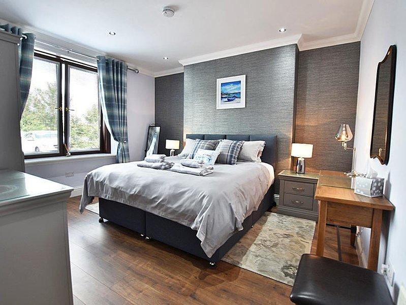 Lussuosa camera da letto con letto king-size (può essere convertita in single)