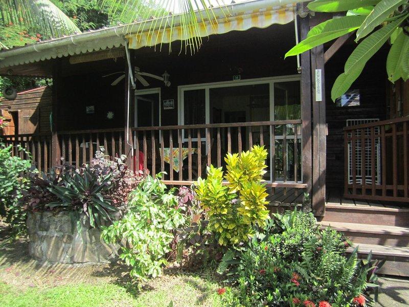 Nice bungalow with sea view & Wifi, casa vacanza a Marigot