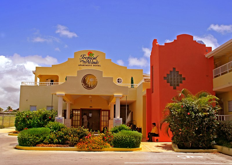 Tropical Winds Apartment Hotel, vacation rental in Merricks