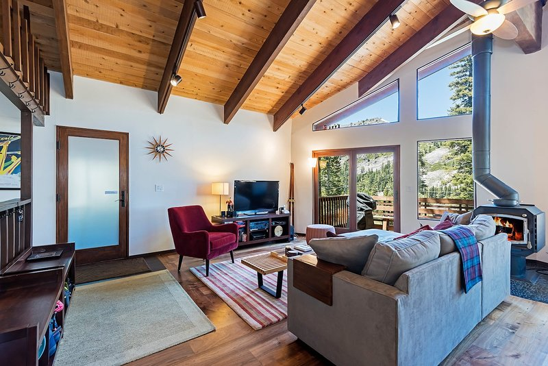 Alpine Meadows Cabin Chalet in Squaw Valley