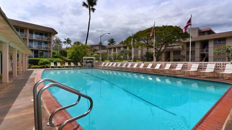 Pool,Water,Building,Swimming Pool,Hotel