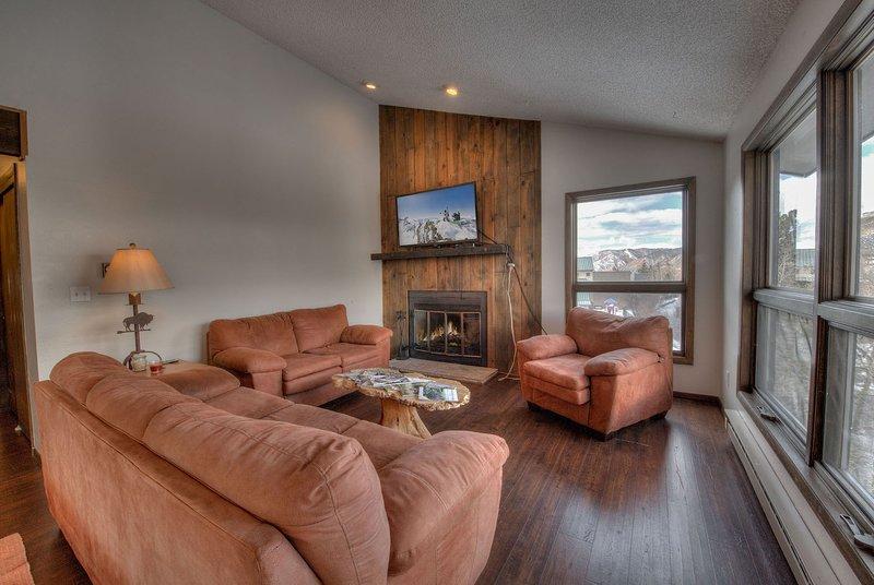 Interior, Sala de estar, Habitación, Pisos, Muebles