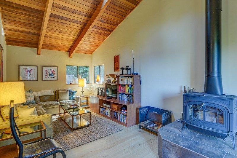 Suelo, Interior, Sala de estar, Habitación, Muebles