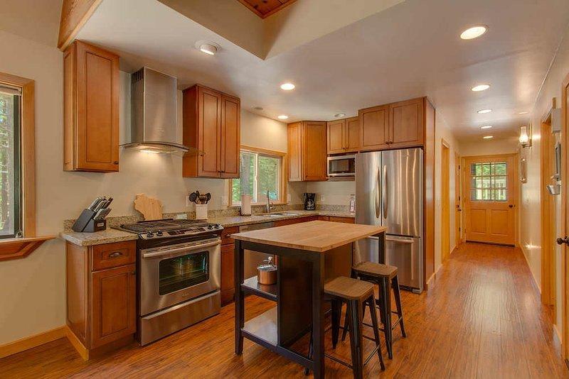 Hardwood,Room,Indoors,Flooring,Furniture