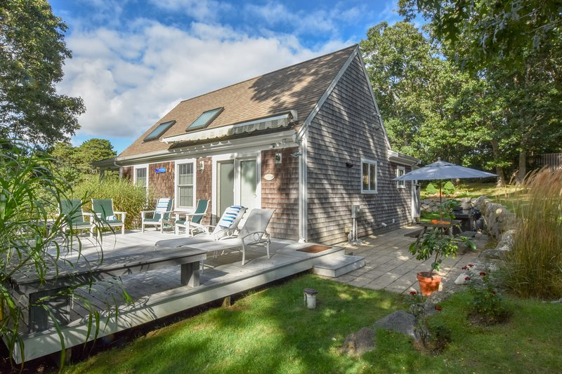 #444: Spacious retreat, walking distance to bayside beach with huge game room!, vacation rental in North Eastham