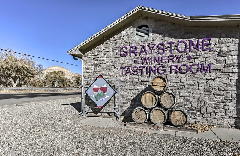 Graystone Winery è a solo mezzo miglio di distanza!