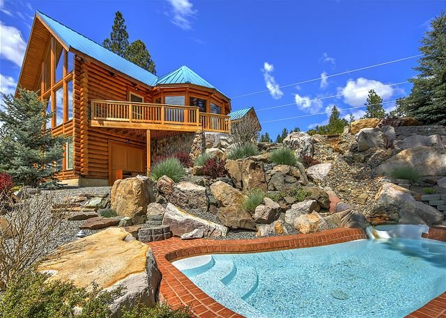 Fantastic Big Home Value with Big Views and a Private Splash Pool! Dogs OK!, alquiler vacacional en South Cle Elum