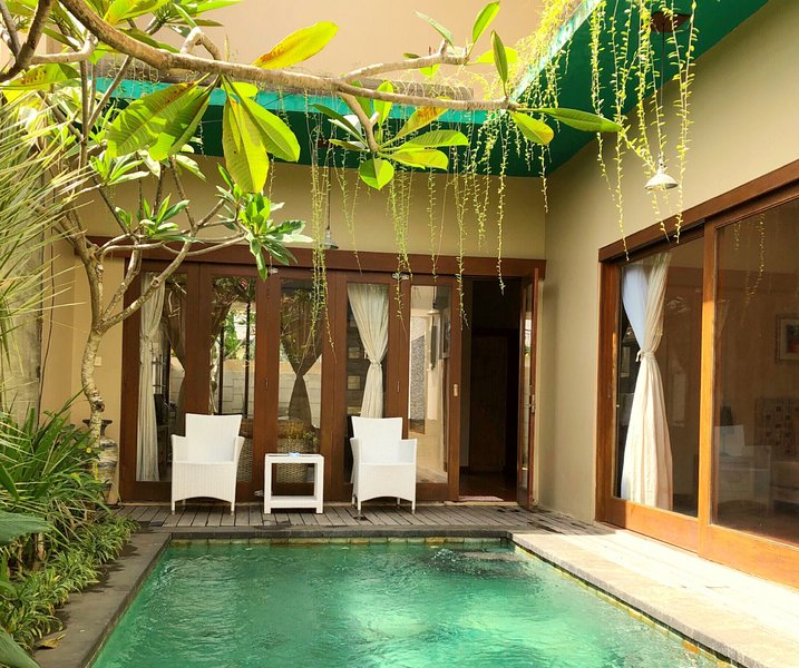 VILLA NUANSA KORI 4BEDROOMS JIMBARAN, holiday rental in South Kuta