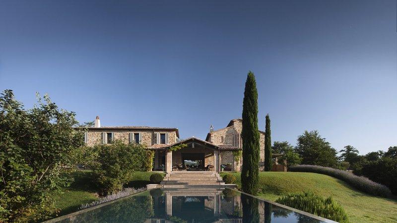 Luxury villa Casa Suore, vacation rental in Lisciano Niccone