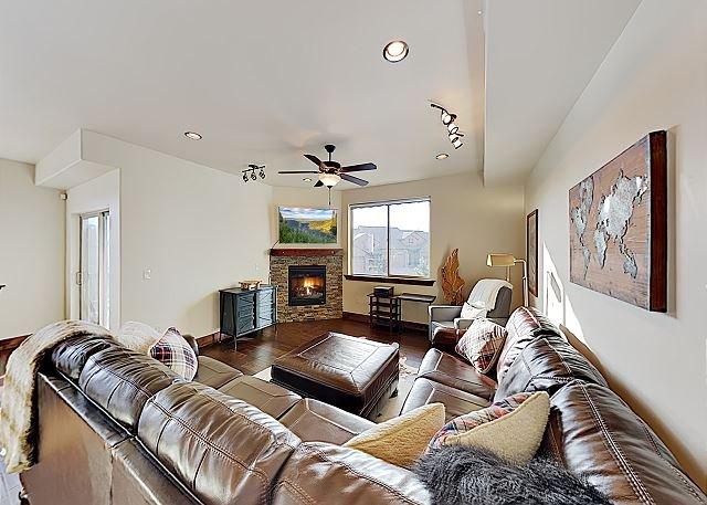 Refined Blackrock Ridge Condo w/ Fireplace & Deer Valley Views, location de vacances à Peoa