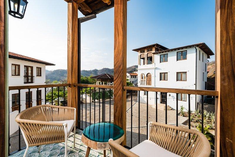 Colorful and Lively 4Br Home in Las Catalinas, alquiler de vacaciones en Las Catalinas