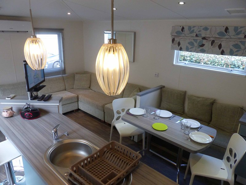 Mobile-familiale 3 chambres, vacation rental in Gastes