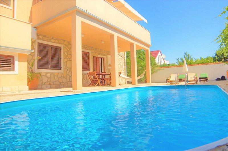Villa Casa Mia, holiday rental in Privlaka