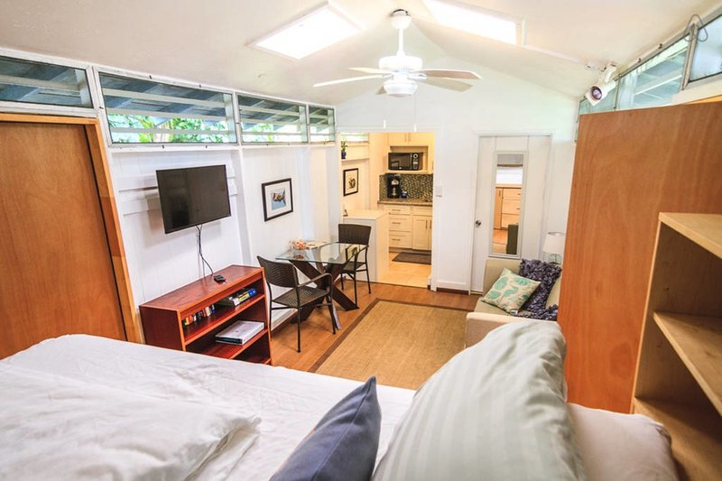 D+D's Cottage - Best Location in Kailua, holiday rental in Waimanalo