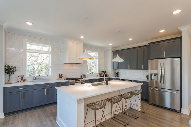 Downtown Close + Luxurious + Walk to Restaurants + Townhome C, vacation rental in Nashville