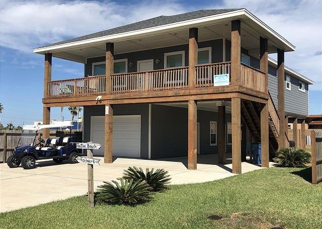 RPD417: Luxurious Home with Detached Downstairs Apartment, Boat Parking, location de vacances à Port Aransas