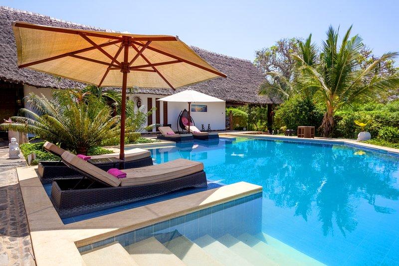 Villa Raymond Diani Beach - Luxury Private Villa, vacation rental in Galu Beach