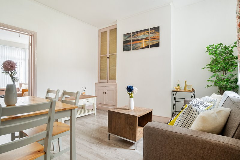 Lovely Apartment For Football Fans and Tourists, casa vacanza a Kirkby