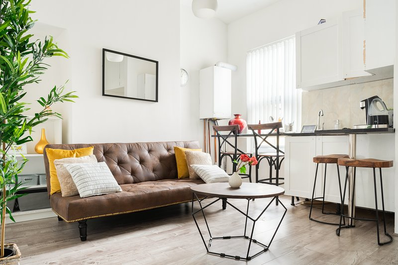 Lovely Apartment Ideal for Footy Fans and Tourists, casa vacanza a Kirkby