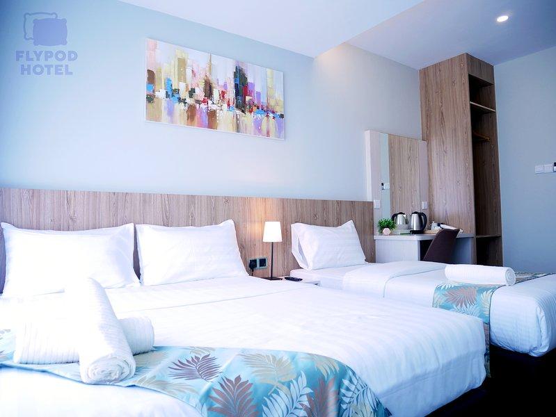 FLYPOD HOTEL SUPERIOR TRIPLE ROOM 1, holiday rental in Papar
