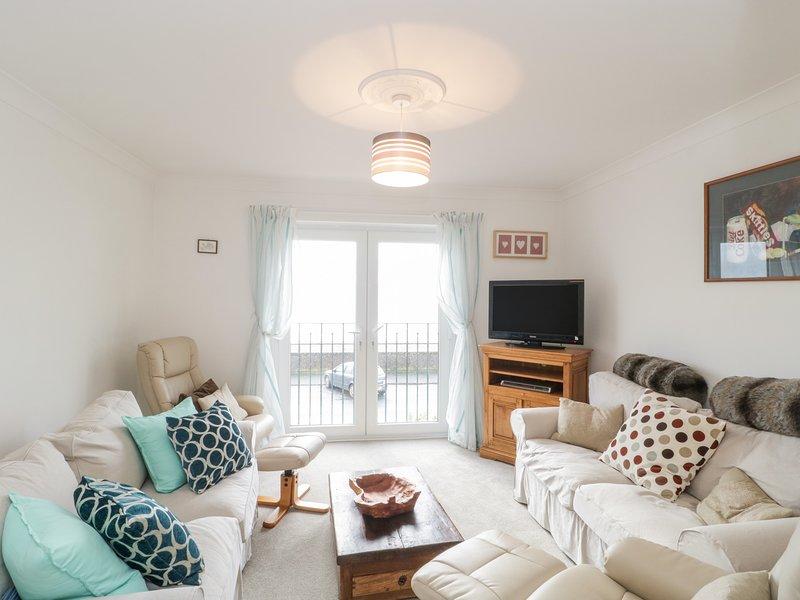 14 Lyme Mews, Seaton, Devon, holiday rental in Seaton