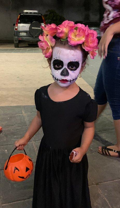 Una Mas .. charmant enfant d'Halloween à Punta de Mita