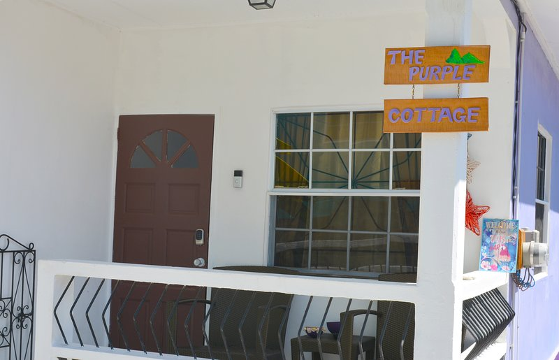 The Purple Cottage, vakantiewoning in Soufriere Quarter