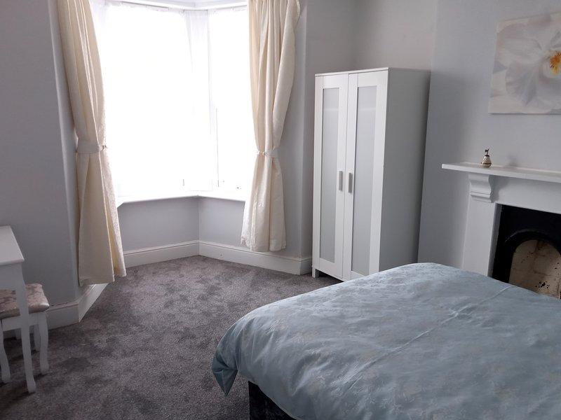 1 de 2 habitaciones dobles con vistas al mar