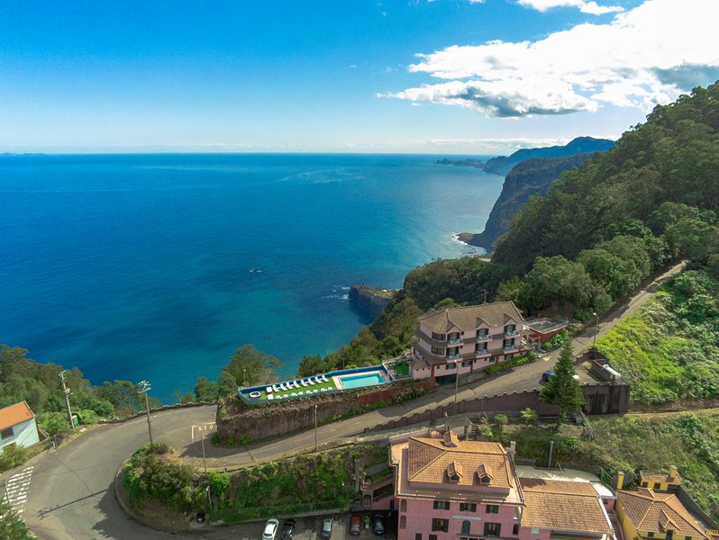 Madeira Island with Santana in Nature B&B 32, alquiler vacacional en Sao Jorge