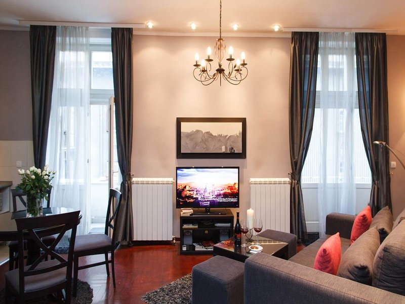 Your City Getaway with View in the ♥ of Belgrade Old Town, vacation rental in Belgrade