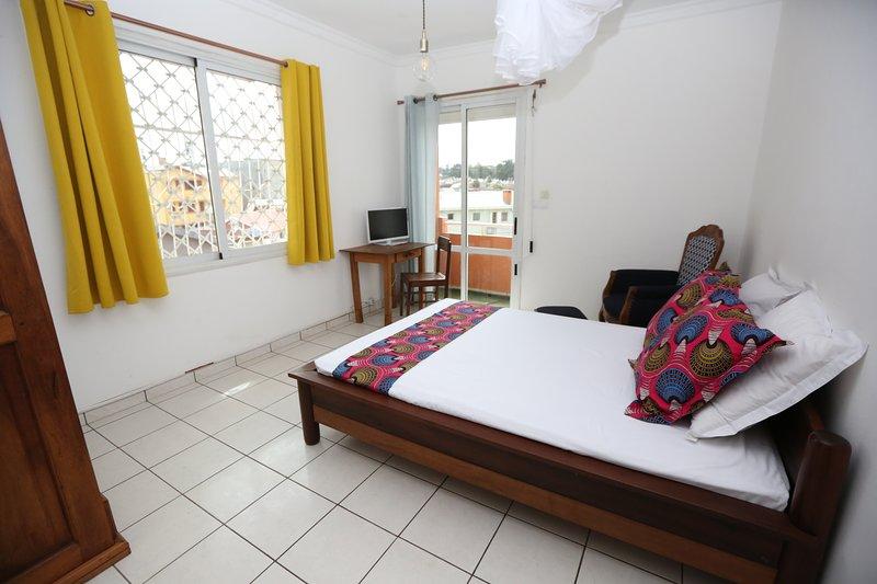 Chambres d'hôtes et tourisme durable solidaire, vacation rental in Ankerana