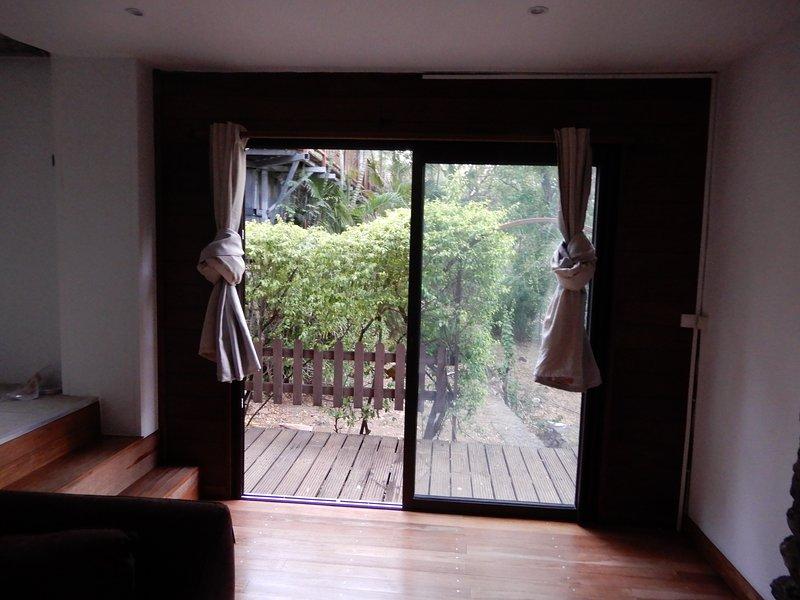 Nice apartment with garden & Wifi, casa vacanza a La Possession