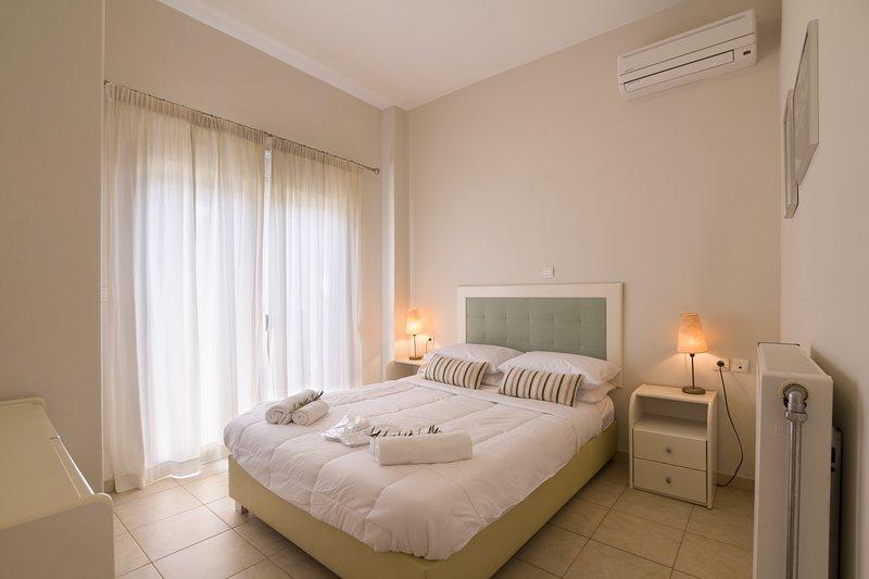 Like Home Studio 1, holiday rental in Nea Kydonia